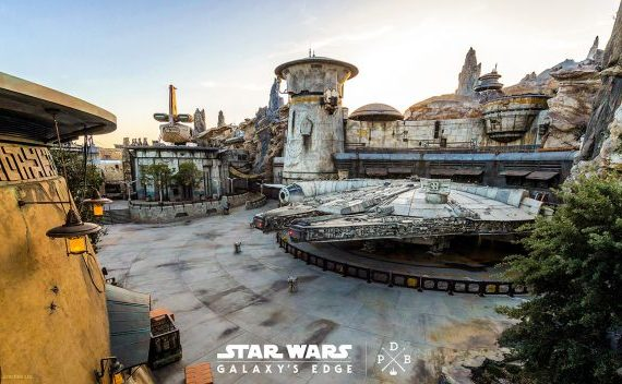 Star Wars Galaxy's Edge at Disneyland Opened to Everyone Starting Today