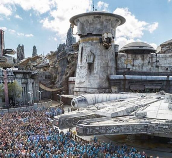 Registration now open for select Annual Passholders to Preview Star Wars Galaxy's Edge