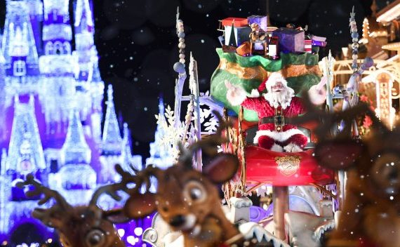Guide to Mickey's Very Merry Christmas Party