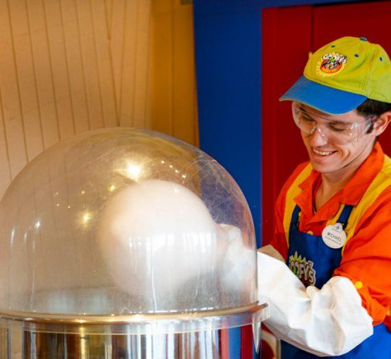 Where to Get Gourmet Flavored Cotton Candy at Disney World